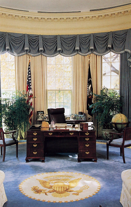 Oval Office GHW Bush 1992
